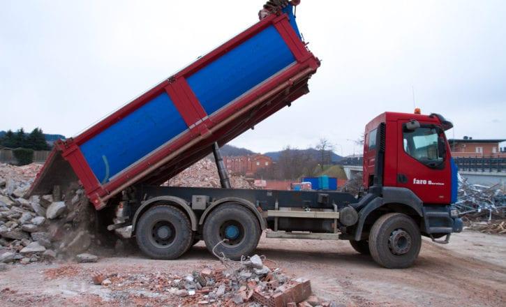 escavazione fabbricato negozio Decathlon Zola Predosa Bologna movimento terra