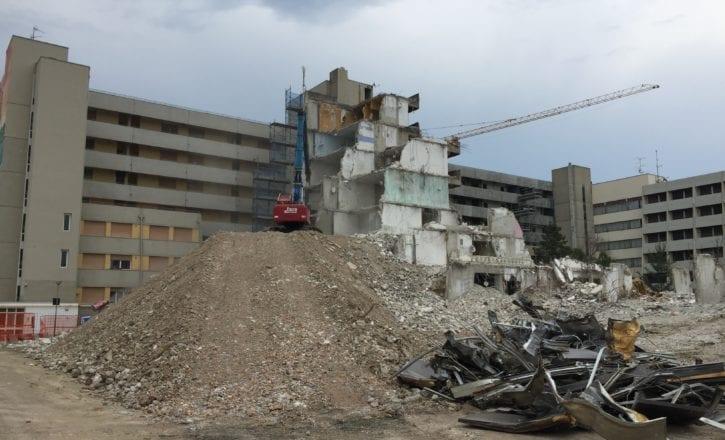 Demolizione bonifica complesso Bologna 2 Calderara di Reno Bologna