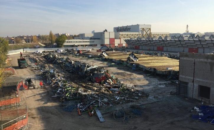 Demolizione padiglioni 29 30 Fiera Bologna Strabag