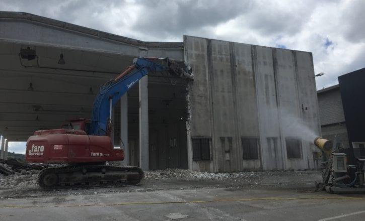 Bonifica copertura in cemento-amianto e demolizione fabbricati per YOOX SPA a Zola Predosa (BO)