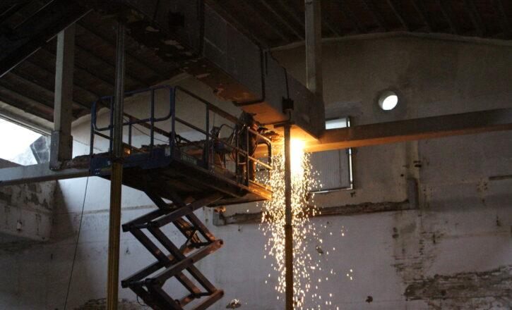 Demolizione del Capannone C2 (Miscela) appartenente all'Ex Manifattura Tabacchi in via Stalingrado | Bologna
